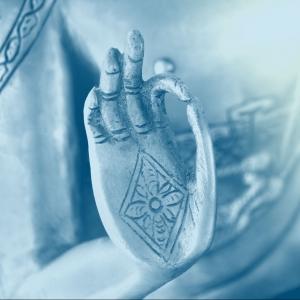 Hand of the golden Buddha 02